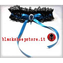 Giarrettiera azzurra con cammeo artigianale